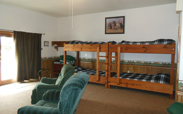 Shallow Creek Hunting Lodge